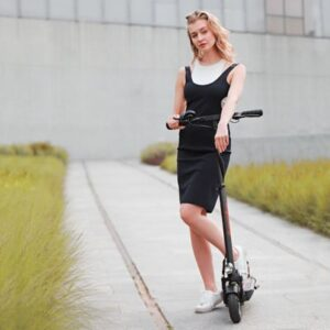 Mantis folding electric scooter